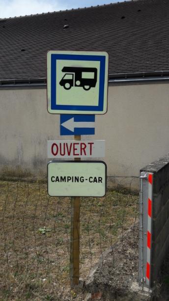 Aire camping-car à Amné (72540) - Photo 2